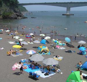 岩海水浴場